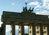 В Берлине протесты против карантина завершились массовыми задержаниями