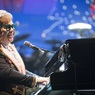 Элтон Джон отменил концерт в США за несколько минут до его начала