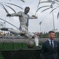 В Лос-Анджелесе установили статую Дэвида Бэкхема