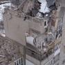 СК показал, как выглядит с воздуха повреждённый дом в Шахтах