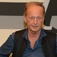 В Риге началось отпевание Михаила Задорнова