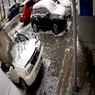 Вот так повезло: житель Владивостока лишился авто из-за бетонной плиты
