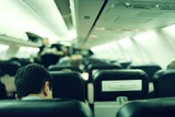 Среди авиапассажиров желательно иметь полицейских и врачей