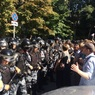На массовом митинге в Москве задержали более 600 человек, сотни избиты