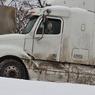 МЧС: На трассе в Оренбургской области десятки машин попали в снежный затор
