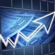 Рубль впервые за неделю вырос на открытии торгов