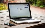 Минфин решил заставить Google и Apple платить налоги с деятельности в России