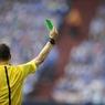 Впервые в истории футбола игрок получил от рефери зеленую карточку
