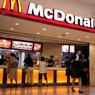 В США вооруженные люди захватили заложников в здании McDonald's