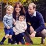 Принц Уильям и Кейт Миддлтон опубликовали рождественское фото с детьми (ФОТО)