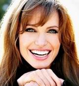 Анджелина Джоли выходит замуж за 40-летнего бизнесмена из Британии