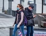 Пропуска в Москве отменяются, а маски - нет: власти города решили не отменять это требование