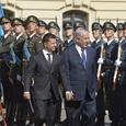 Сара Нетаньяху возмутилась, что командир корабля не приветствовал их чету, как должно
