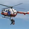 Вертолет МЧС эвакуировал членов экипажа с баржи на реке Амур в Хабаровском крае
