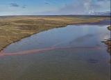 Разлившееся под Норильском топливо попало в озеро