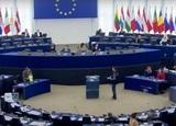 Европарламент принял резолюцию с призывом к пересмотру отношений с Россией