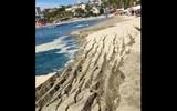 Тонущий пляж в Мексике сняли на видео