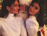 Стало известно, что Кардашьяны подарили друг другу на Рождество