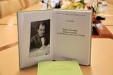 В полпредстве презентовали книгу «Карим Хакимов: летопись жизни»