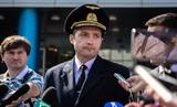 Посадившим лайнер на кукурузное поле летчикам вручили звезды Героев России