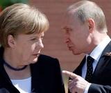 Путин обсудил с Меркель подробности задержания украинских моряков