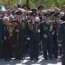 Парад в соседних странах: Лукашенко с сыном, Порошенко с УПА