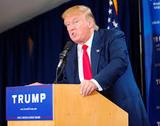 Трамп согласился с данными спецслужб о вмешательстве России в выборы США